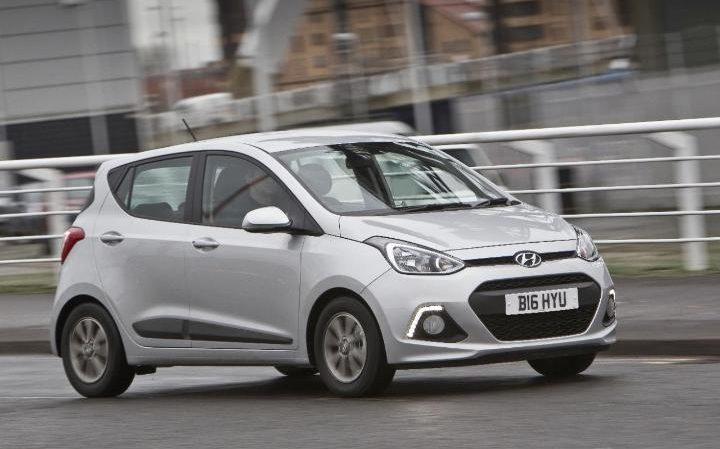 Hyundai i10 1 litre silver